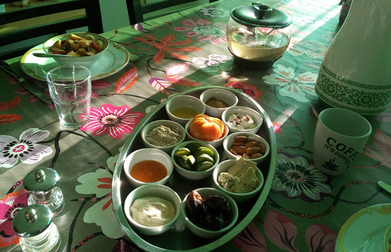 Mezze breakfast in bed and breakfast Petra Fig Tree Villa